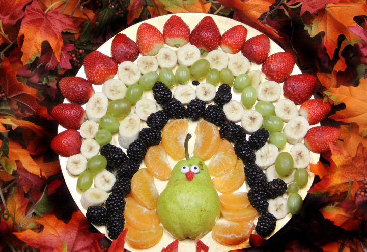 turkey-fruits-tray